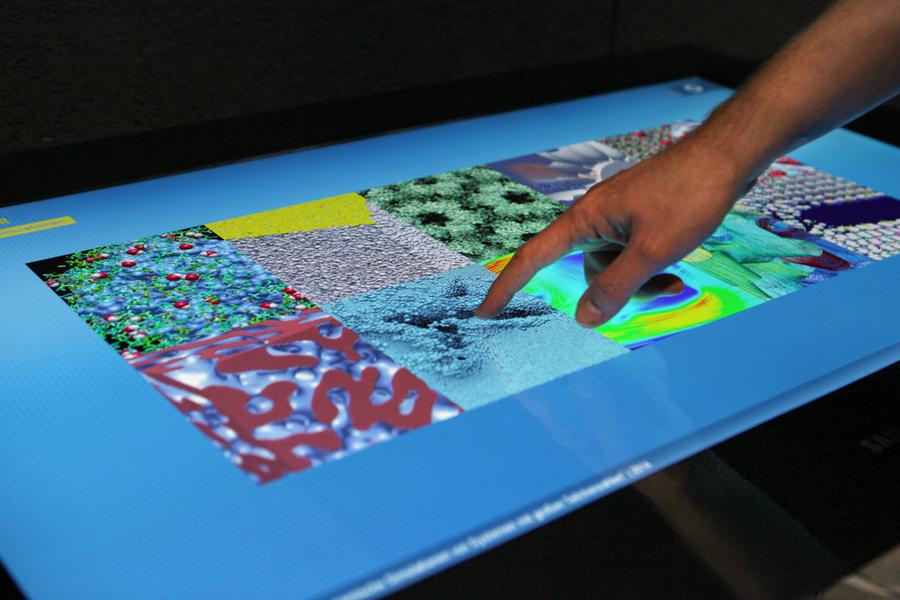 Der interaktive Wissensraum informierte über Simulationen, ihren Hintergrund und vermittelt ein Gefühl für die Herausforderungen der aktuellen Simulationsforschung.