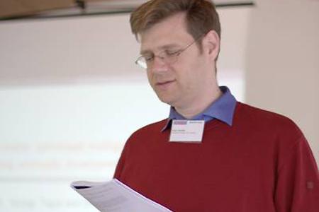 Jun.-Prof. Axel Arnold, Projektleiter im SFB 716, war maßgeblich an der Organisation beteiligt.
