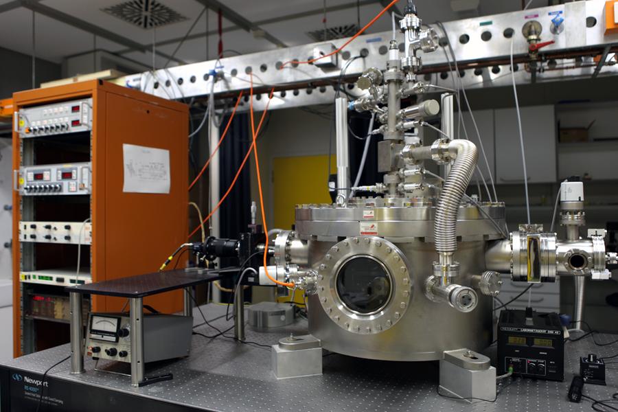 Experimente mit Nanodiamanten im Labor.