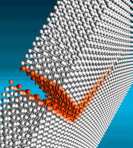 Ein abbiegender Riss in einem Aluminiumoxid.